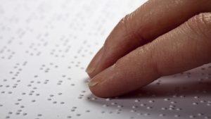 Cécité : L'enseignement du Braille, entre défis de la généralisation et nécessité d'évolution